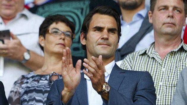 Tenista Roger Federer je podle časopisu Forbes pátým nejlépe vydějávajícím sportovcem světa.