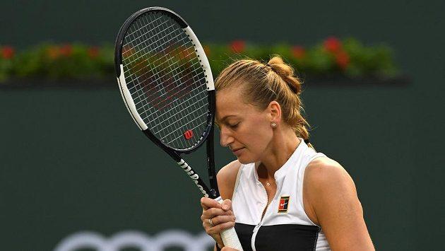 Petra Kvitována na kurtu v utkání druhého kola turnaje v Indian Wells proti Američance Venus Williamsové.