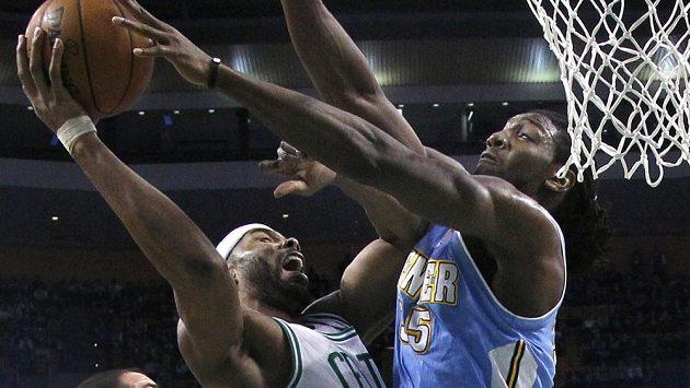 Duel Bostonu s Denverem rozhodlo v neděli až třetí prodloužení.