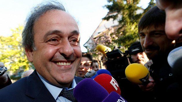 Michel Platini před jednáním CAS v Lausanne.