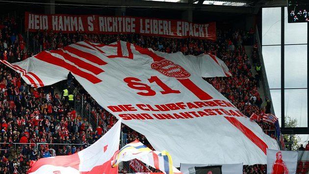 Fanoušci Bayernu protestovali proti barvě dresů, v nichž slavný bavorský klub hraje venkovní bundesligové zápasy.