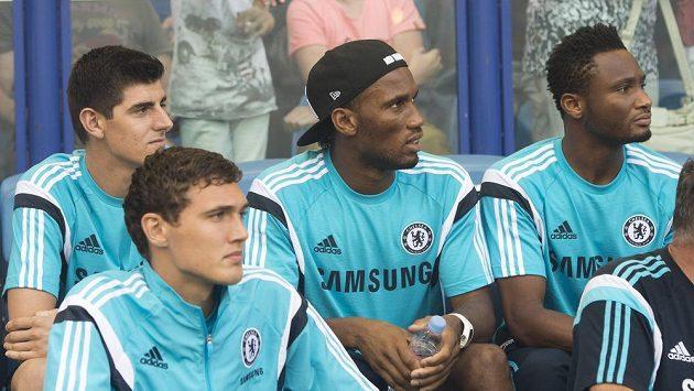 Didier Drogba (uprostřed) ukončil reprezentační kariéru.