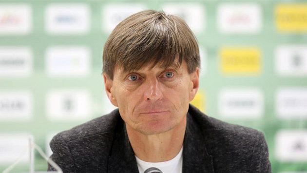 Sportovní manažer Alois Grussmann povede v roli trenéra fotbalisty Opavy až do konce podzimní části první ligy. Nahradil odvolaného Ivana Kopeckého.