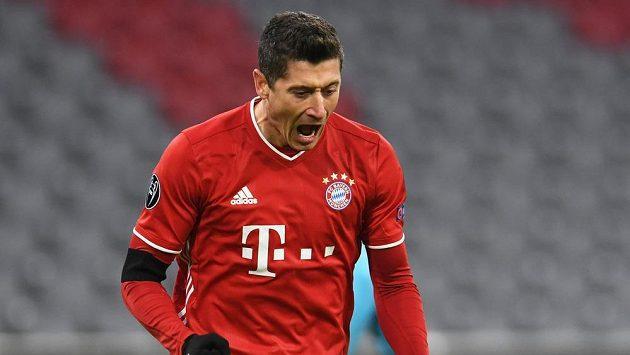 Kanonýr Bayernu Robert Lewandowski