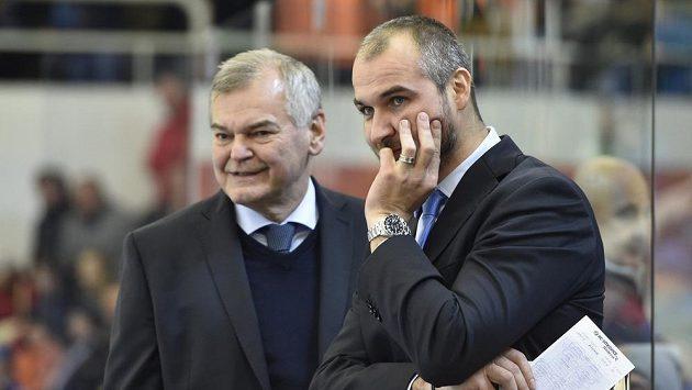 Zprava trenér Vítkovic Pavel Trnka a bývalý reprezentační kouč Vladimír Vůjtek.