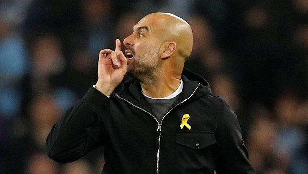 Manažer Manchesteru City Pep Guardiola v poločase utkání Ligy mistrů s Liverpoolem měl co říct sudímu a druhou půli sledoval jen z tribuny.