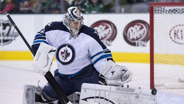 Gólman Winnipegu Ondřej Pavelec vychytal Dallas.