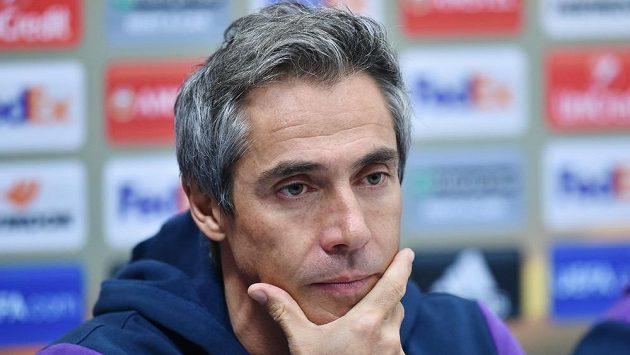 Trenér Fiorentiny Paulo Sousa na tiskové konferenci před utkáním Evropské ligy s Libercem.