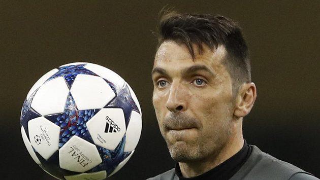 Brankář Gianluigi Buffon před finále Ligy mistrů s Realem Madrid.