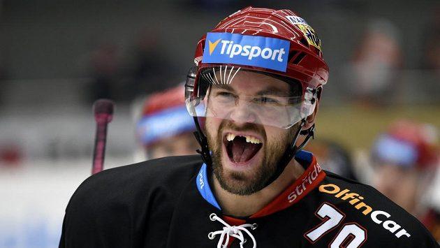 Radek Smoleňák z Hradce se při utkání s Vítkovicemi blýskl dvěma góly.