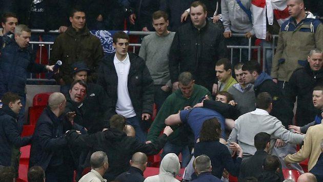 Fanoušci Millwallu nezkrotily své vášně.