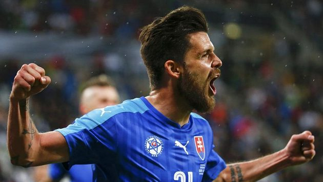 Slovák Michal Ďuriš se raduje z gólu proti Německu v přípravném duelu v Augsburgu.