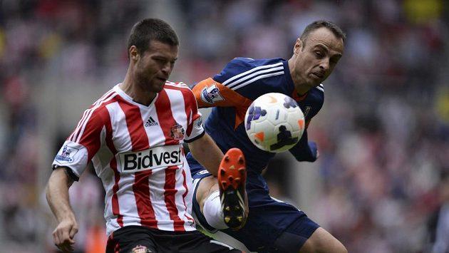 Ondřej Čelůstka (vlevo) v dresu Sunderlandu.