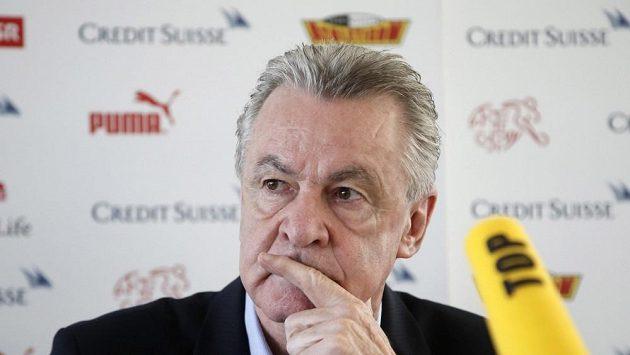 Trenér švýcarských fotbalistů Ottmar Hitzfeld.