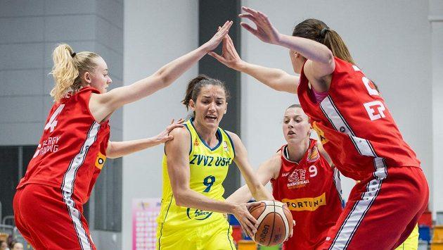 Basketbalistky DSK Baksetball Nymburk prohrály úvodní bitvu o ligový bronz s KP Brno (ilustrační foto).
