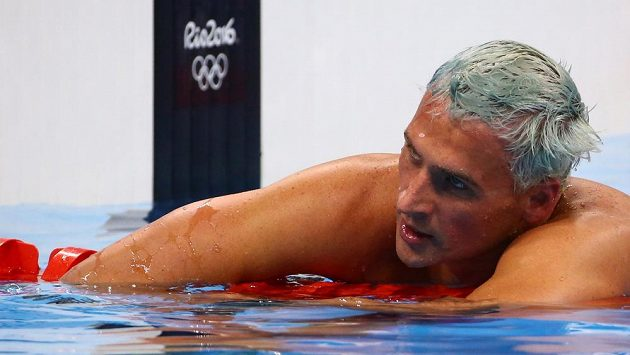 Američan Ryan Lochte v olympijském bazénu v Riu.