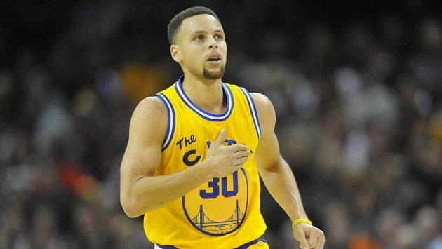 Basketbalista Golden State Warriors Stephen Curry (30) v utkání proti Clevelandu.
