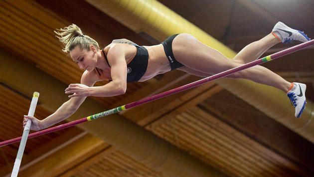 Romana Maláčová vyhrála halové MČR výkonem 4,50 metrů a chybět nebude ani na HME v Bělehradu.