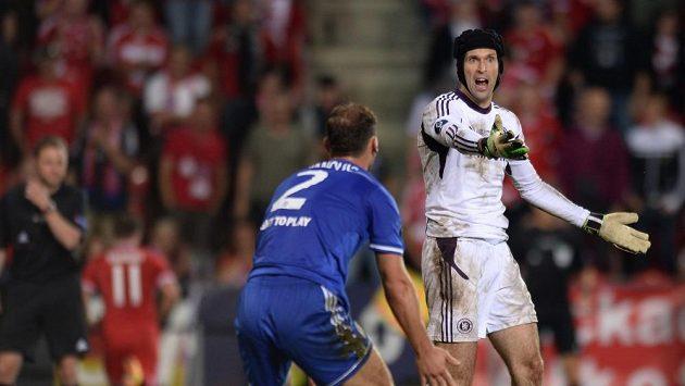 Gólmana Petra Čecha nechala oslabená Chelsea často na holičkách.