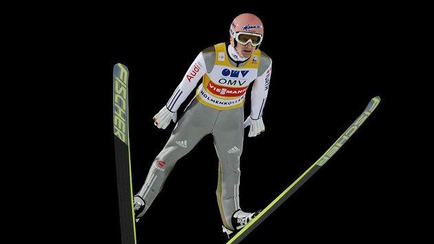 Německý skokan na lyžích Severin Freund na můstku v Holmenkollenu.
