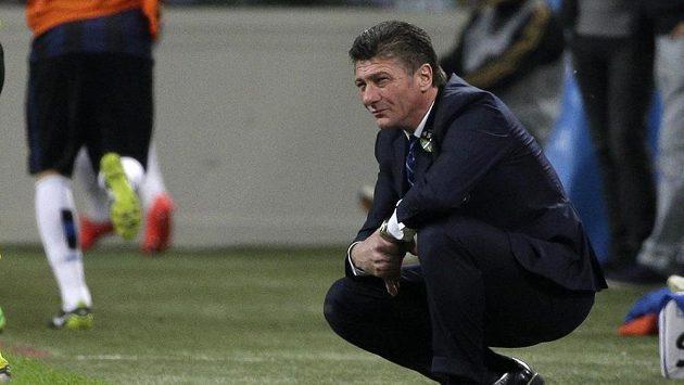 Interu se příliš nedaří a Mazzarri to odnáší. Takhle skleslý byl po nejčerstvější porážce s rivaly z AC Milán (0:1).