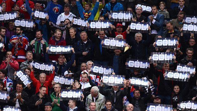 Fanoušci Lva si v minulé sezóně užili radost, teď čekají, co bude s klubem dál.