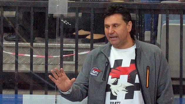 Trenér Chomutova Vladimír Růžička během utkání na Spartě.