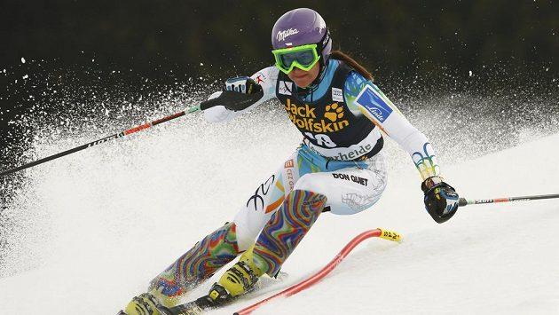 Šárka Strachová na trati slalomu finále SP v Lenzerheide