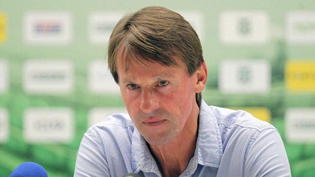 Trenér Karviné František Straka na tiskové konferenci po zápase s Libercem (archivní foto).