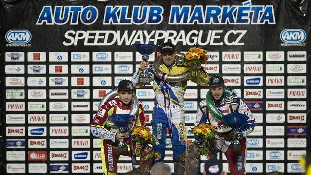 Zleva druhý Václav Milík, vítěz Peter Ljung a třetí Matěj Kůs.