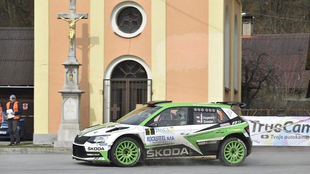 Jan Kopecký a Pavel Dresler ze stáje Škoda Motorsport s vozem Škoda Fabia R5 při Valašské rallye.