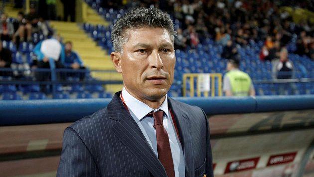 Krasimir Balakov před zápasem s Černou Horou.