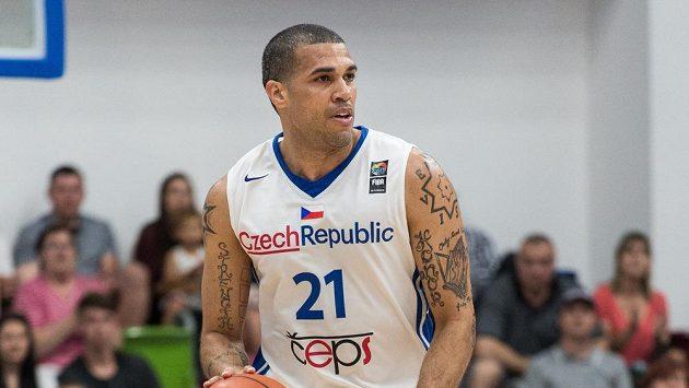 Český basketbalista Blake Schilb v reprezentačním dresu.