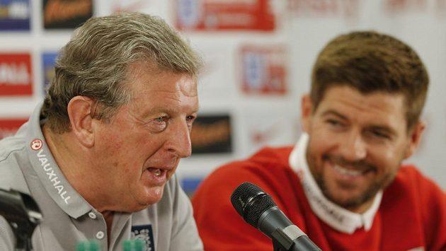 Roy Hodgson (vlevo).