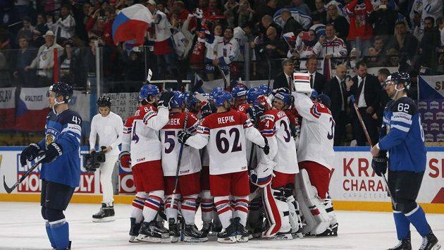 Čeští hokejisté sice prohrávali na MS s Finskem 0:3, ale nakonec vyhráli po samostatných nájezdech 4:3.
