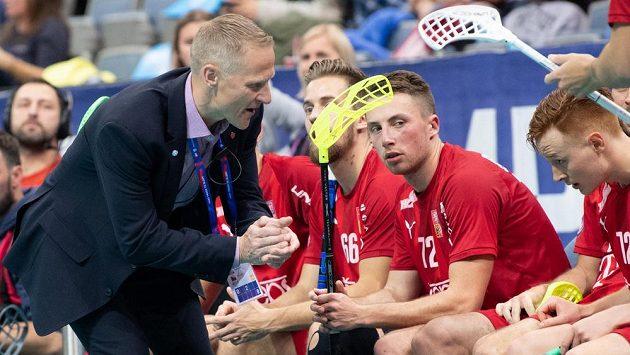 Trenér českého týmu Petri Kettunen během čtvrtfinále MS.