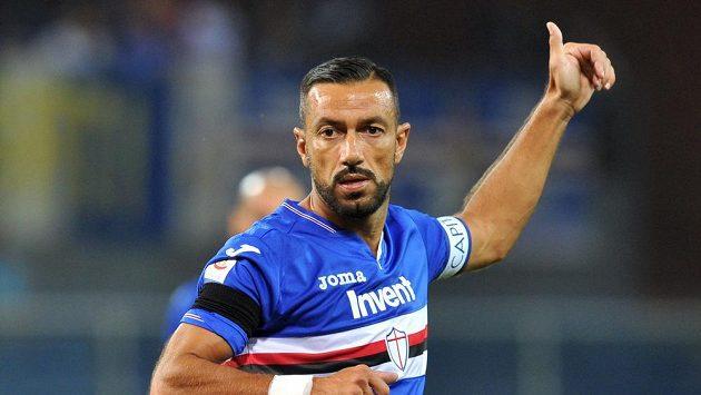 Fabio Quagliarella ze Sampdorie se raduje v utkání s Neapolí.