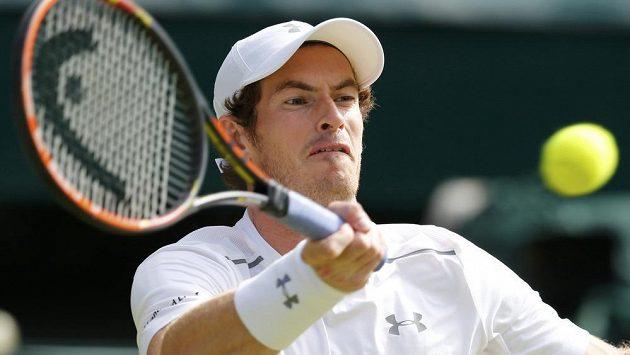Brit Andy Murray v semifinále Wimbledonu s Rogerem Federerem ze Švýcarska.