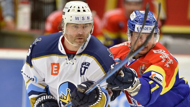 Jaromír Jágr se v dresu Kladna objevil na chvíli na ledě i v Českých Budějovicích během semifinále play off.