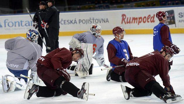Hokejisté pražské Sparty zahájili ve čtvrtek přípravu na ledě.