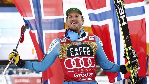 Kjetil Jansrud z Norska slaví své vítězství ve Val Gardeně.