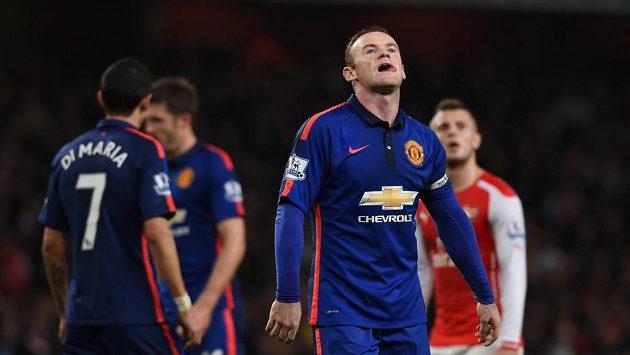 Útočník Manchesteru United Wayne Rooney v utkání s Arsenalem.