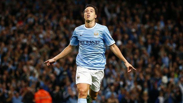 Nasri z Manchesteru City se raduje z branky.