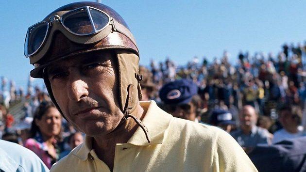 Bývalý jezdec formule 1 Juan Manuel Fangio.