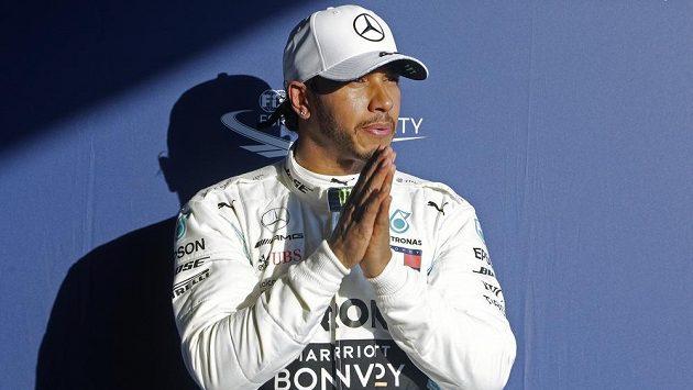Lewis Hamilton po kvalifikaci v Melbourne.