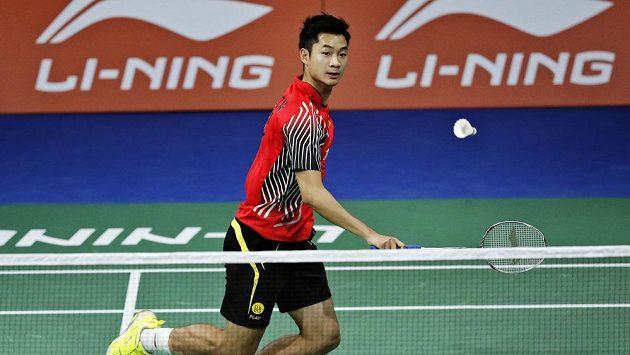 Čínský badmintonista Wang Čeng-ming v zápase proti Petru Koukalovi