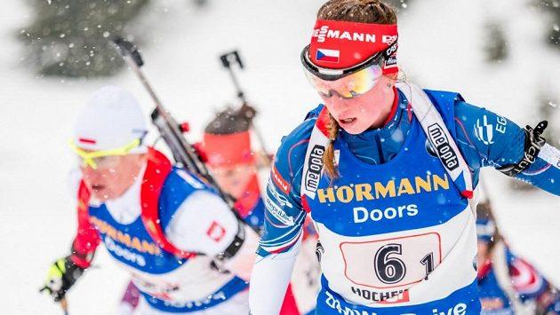 Česká biatlonistka Jessika Jislová při štafetě na MS v Hochfilzenu.