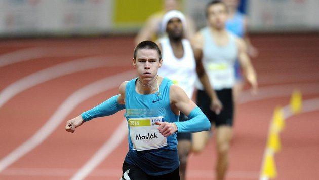 Běžec Pavel Maslák vyhrál v Moskvě závod na 400 m a je druhý na světě.