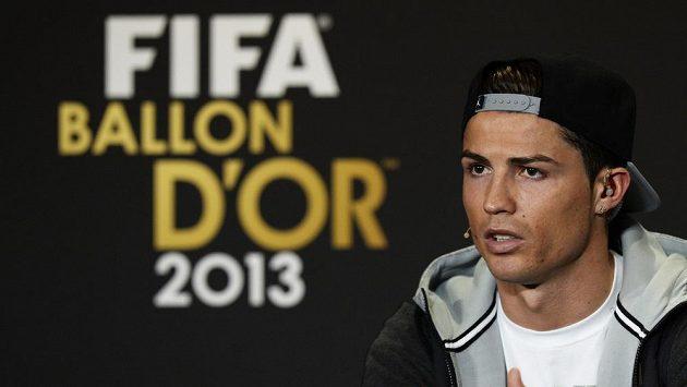 Cristiano Ronaldo z Portugalska na vyhlášení Zlatého míče za rok 2013.