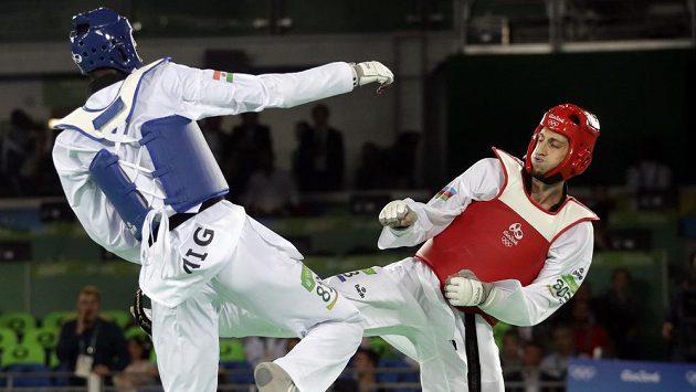 Radik Isajev z Ázerbájdžánu ve finále nejtěžší váhy nad 80 kg zdolal Abdoulrazaka Issoufoua z Nigeru.